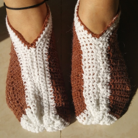Almost complete slippers